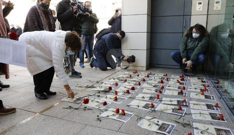 Protesta en el Museo de Lleida después de la entrega de las piezas de la Franja