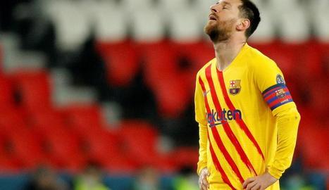 Messi, en una acció del partit d'ahir al camp del PSG.
