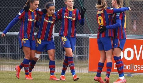 Jugadores del Barça celebren un dels gols que van marcar ahir al Fortuna Hjorring danès.