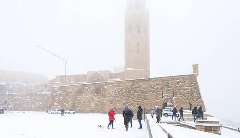 La neu envaeix la Seu Vella el dia 9 de gener del 2021.