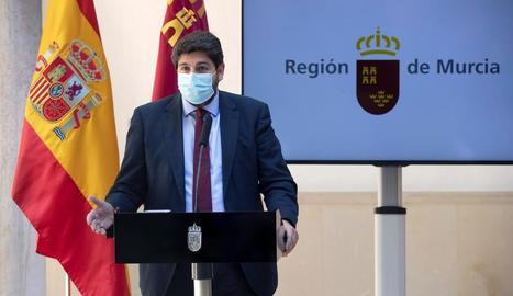 El president de la Comunitat de Múrcia Fernando López Miras, ahir en roda de premsa.