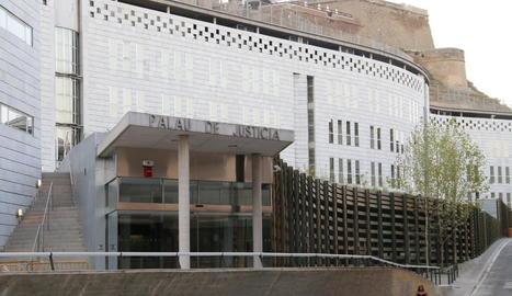 Vista de l'edifici de l'Audiència de Lleida, al Canyeret.