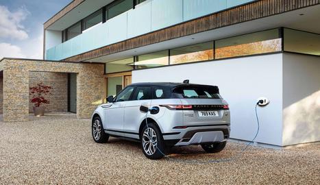 Irrompen al mercat espanyol les primeres unitats de les noves versions híbrides endollables dels Range Rover Evoque i Discovery Sport amb la seua nova mecànica P300e.