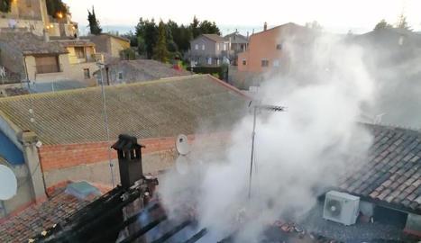 Sufoquen de matinada un incendi en una casa del Vilosell