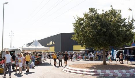 Vista d'arxiu del mercat setmanal de Torrefarrera.