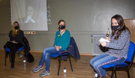 Un moment de la presentació del llibre 'Terra de dones pageses de Catalunya', ahir a Guissona.