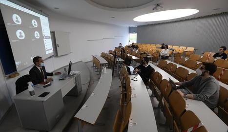 Una classe semipresencial a la Universitat de Lleida (UdL)