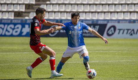 Abel Molinero va aconseguir marcar el gol de la victòria del Lleida Esportiu