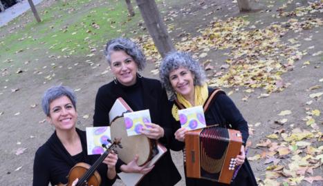 Raquel García, Montserrat Canela i Montse Nicuesa formen el trio.