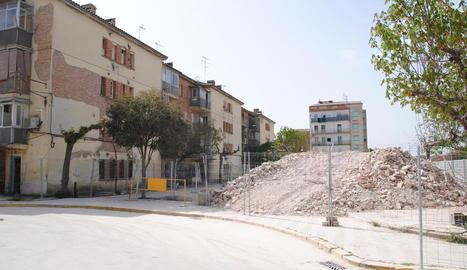 Els treballs de demolició del bloc A.