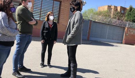 Riba i altres membres d'ERC ahir després de visitar Pablo Hasél.