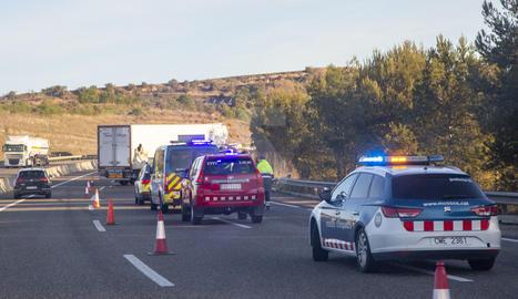 L'accident obliga a tallar dos carrils de l'autovia en sentit Lleida.
