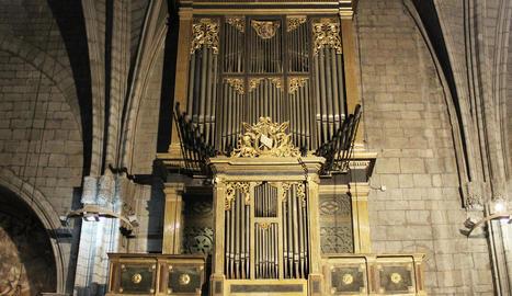 L'orgue de la catedral de Solsona, en fase de restauració.