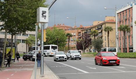 Imatge d'un dels radars fixos, ubicat a rambla d'Aragó.