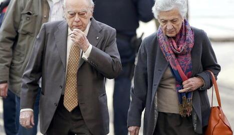 L'expresident Pujol i la seua esposa, Marta Ferrusola, patriarques del clan, en una imatge d'arxiu.