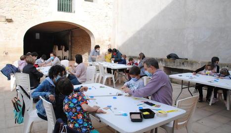 Cal Jaques va acollir un taller de Solaç per Sant Jordi.