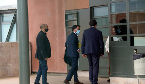 Pere Aragonès, candidat d'ERC a la Generalitat, a l'arribar a la presó de Lledoners, ahir.