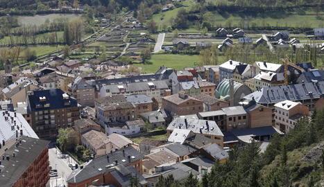 Vista del Pont de Suert, capital de la Ribagorça, on la renda familiar va baixar el 2018.