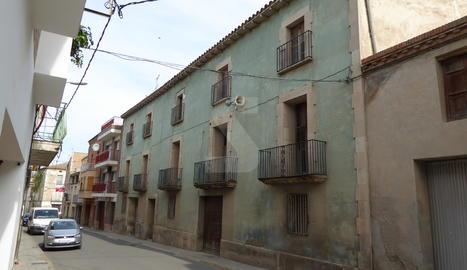 Un carrer de Bell-lloc d'Urgell