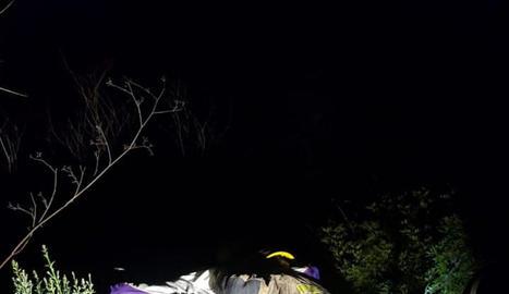 Els Bombers van rescatar un jove que va fugir al veure els Mossos i va caure per un barranc a Sant Feliu.