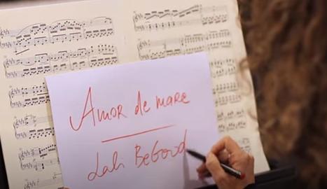 Lali Begood homenatja les mares en la seva nova cançó i videoclip