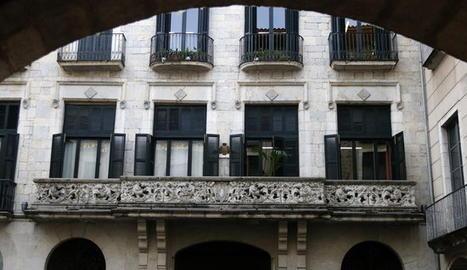 Façana de l'Ajuntament de Girona.