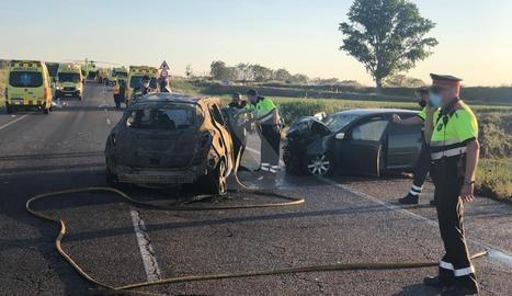 Els dos cotxes implicats en l'accident mortal.