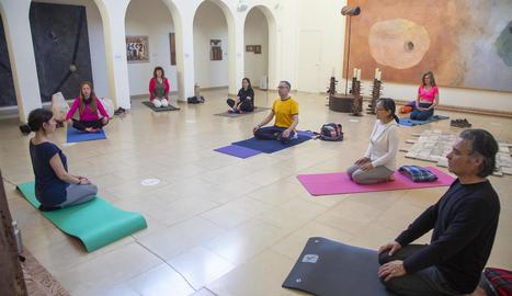 Assistents, ahir a una de les sessions de ioga.