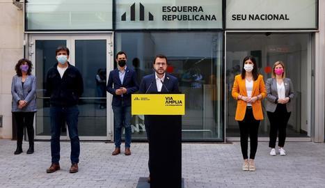 La plana major d'ERC durant l'anunci de Pere Aragonès, ahir, de la seua aposta per un Govern en solitari.