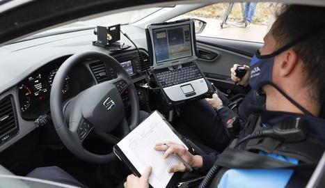 Imatge d'arxiu d'un cotxe radar de la Guàrdia Urbana.