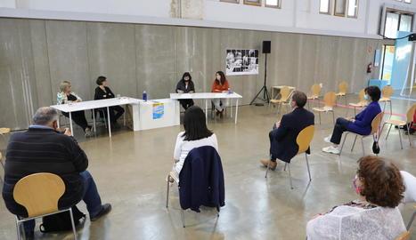 La tertúlia d'ahir va ser l'últim acte programat en el marc de la mostra 'Feminista havies de ser'.