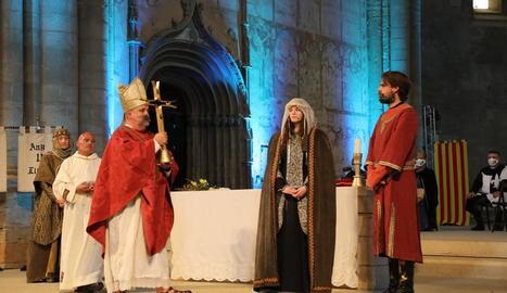L'antiga catedral es va convertir de nou ahir en l'escenari del casament entre Peronella i Berenguer IV.