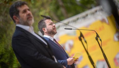 """Aragonès i Sànchez prometen un Govern """"cohesionat"""" i una """"confrontació cívica"""" amb l'Estat"""