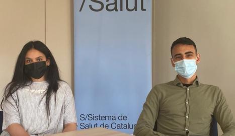 Zaynab i Moad, mediadors de l'Agència de Salut Pública.