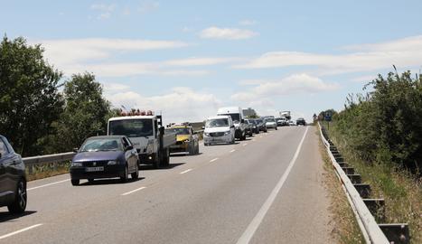 L'accident ha obligat a donar pas alternatiu a l'altura del punt quilomètric 151 de la C-12.