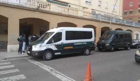 Un dels escorcolls es produeix al carrer Bonaire de la capital del Segrià.