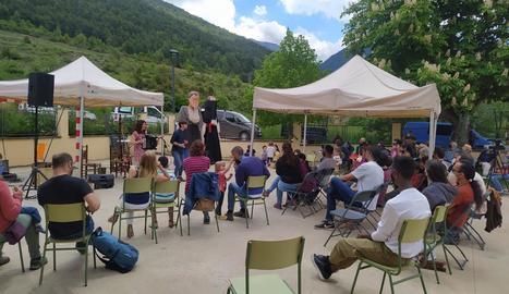 El grup local Duet Daura va oferir l'espectacle familiar 'El bagul de la música tradicional'.
