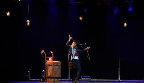 'The Postman', humor gestual i màgia per tancar el festival.
