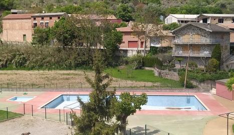 Imatge de la piscina de Peramola, que ara es millorarà.