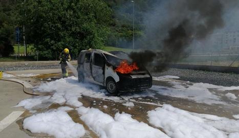 Pràctiques sobre focs en vehicles