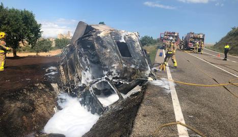 Tallada la C-14 a Ciutadilla a causa d'un camió accidentat