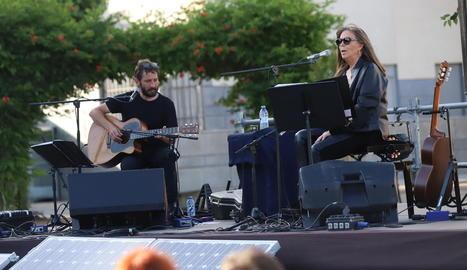 Maria del Mar Bonet i Borja Penalba van oferir un recital amb 150 espectadors en aforament limitat.