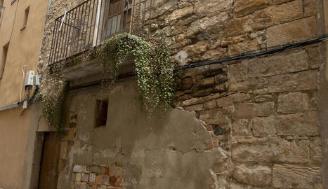 Imatge de la façana del número 15 del carrer de l'Estudi.