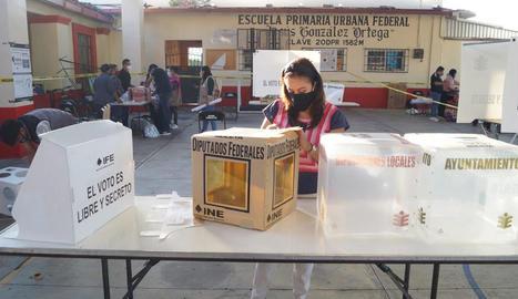 Els mexicans deixen de banda la Covid i la violència i van a votar