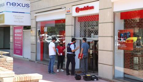 Assalten una botiga de telefonia mòbil al passeig de Ronda
