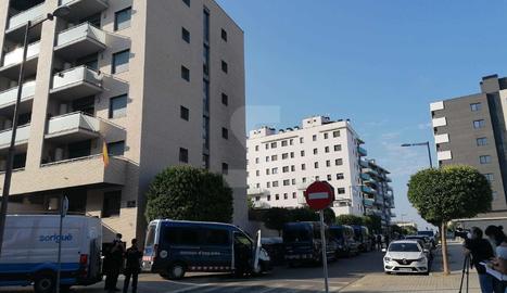 Ampli desplegament de Mossos pel desnonament de 12 famílies del bloc de Carrasco i Formiguera de Lleida