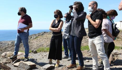 Teresa Jordà durant la visita del Parc Natural de Cap de Creus