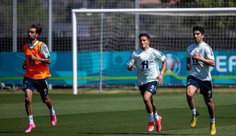 La selecció espanyola va continuar exercitant-se ahir a les instal·lacions de Las Rozas preparant el debut de dilluns vinent.