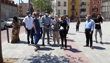 Diouf i Mínguez, ahir passejant pel Centre Històric de Lleida.