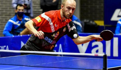 Viktor Brodd va guanyar els dos partits a la primera confrontació.
